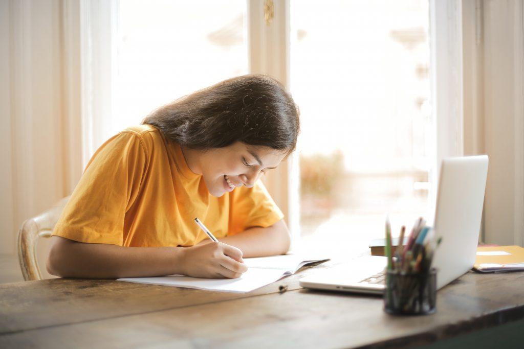 Angielski online — doskonały wybór dla osób w każdym wieku